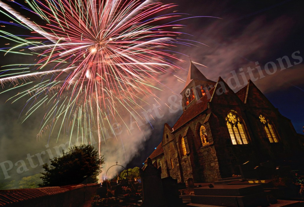 Eglise de Brenouille- feux d'artifice 2015-R signée