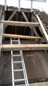 Eglise de Brenouille - Travaux de toiture - poutres de remplacement.